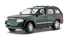 Maisto Jeep Grand Cherokee 2005 1:18 Diecast Replica - (Green or Khaki)